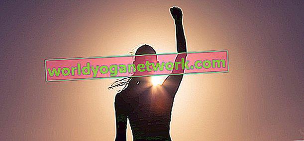 5 pose per ispirare più amore per se stessi, meno chiacchiere con se stessi