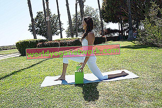 YJ ci ha provato: lezioni di yoga in streaming dal vivo con una fotocamera bidirezionale