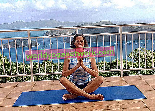 La pose de felicidad + facilidad: Sukhasana