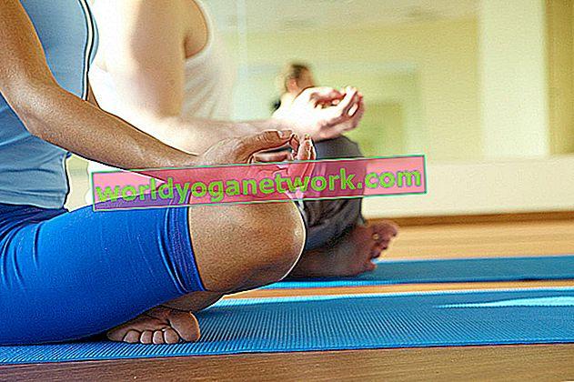 Diese Yoga-Posen werden Ihnen helfen, Ihre Teenagerjahre zu überstehen